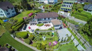 Professionelle Luftaufnahmen sind heute in der Architektur, beim Immobilienverkauf, im Tourismus, Marketing und in vielen weiteren Branchen nicht mehr wegzudenken.